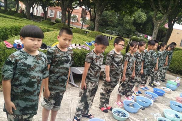 上海松江7天吃苦磨砺军事夏令营