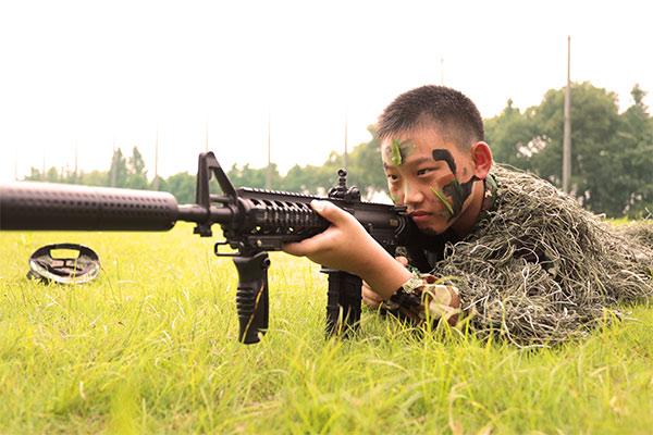 少年当自强之战狼军事主题特训营10天