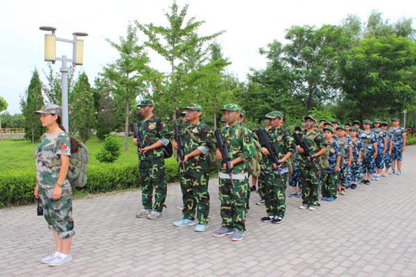 深圳暑假军训夏令营和学校军训的3大区别
