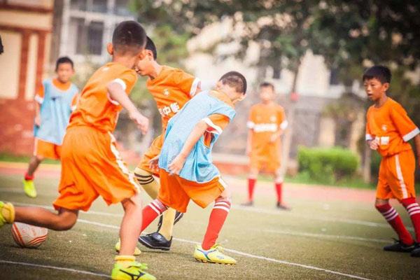 上海足球夏令营,选哪家好?