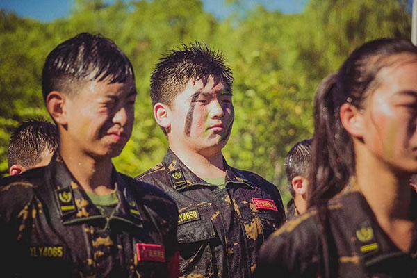 上海特种兵军事夏令营,铁血男儿在这里养成