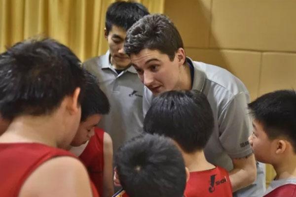 上海青少年篮球夏令营,反应能力的快速提高