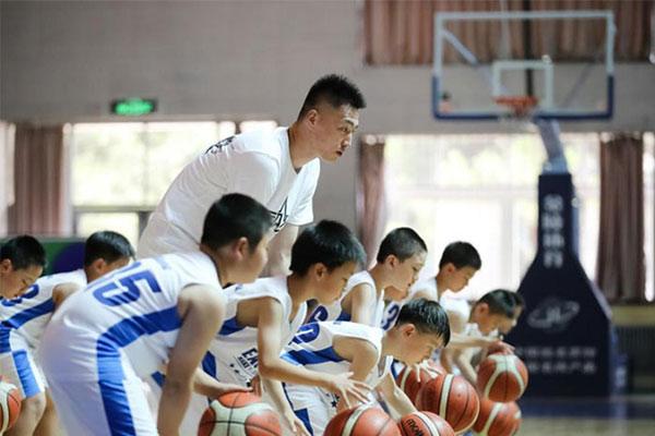 北京篮球夏令营价格表,报名多少钱一看就知