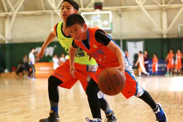 上海国内篮球夏令营,体格培养趁现在