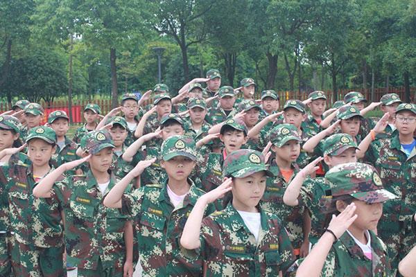 少年将帅军事训练夏令营19天