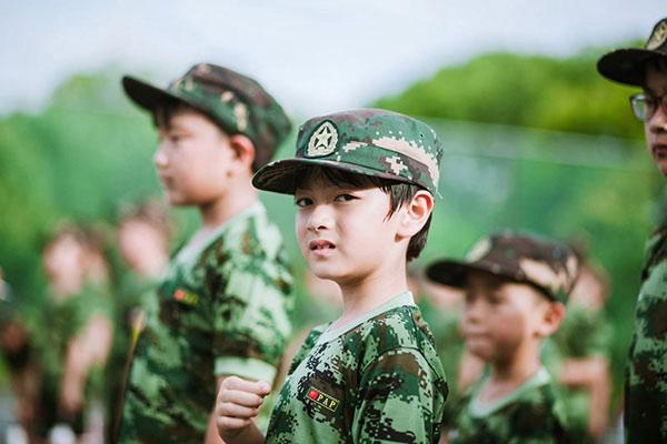 广州学生夏令营乱象多,选好营安放孩子很重要